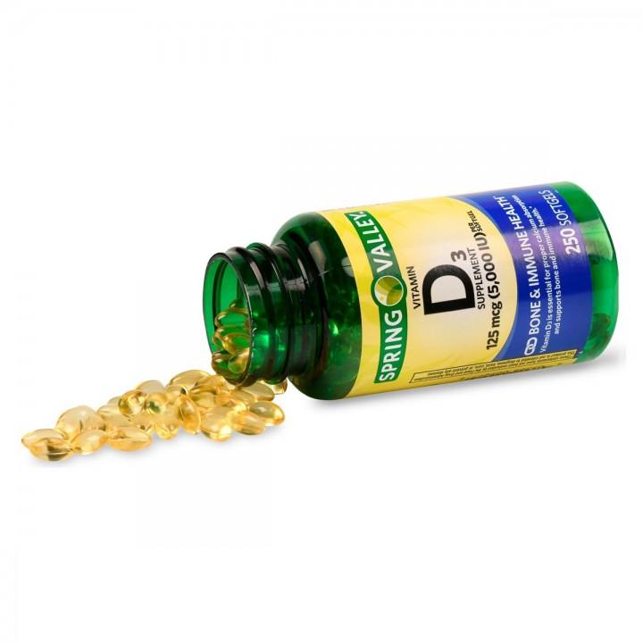 SPRING VALLEY Vitamina D3 125 mcg (5,000 IU) 250 Capsulas Blandas V3087 SPRING VALLEY